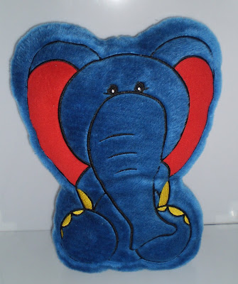 Kék plüss elefánt párna