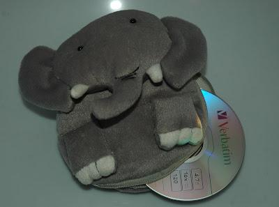 Elefántos CD-tartó