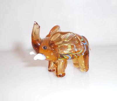 Barna üveg elefánt