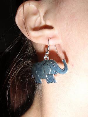 Elefántos fülbevaló