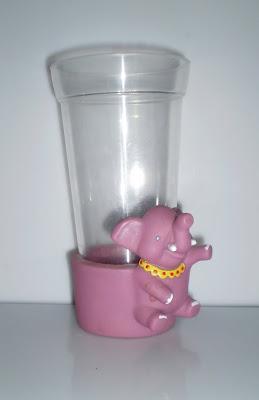 Elefántos pohár tartó