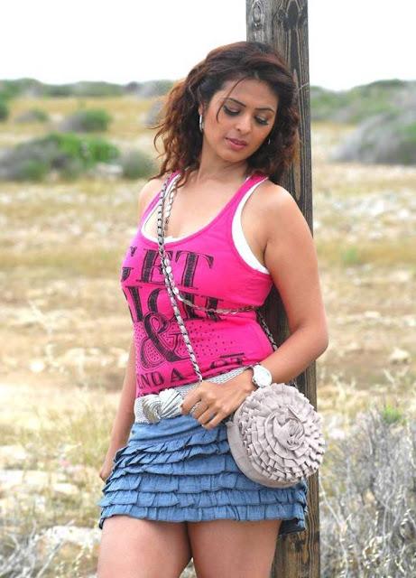 Sizzling Anjana Sukhani hot photos