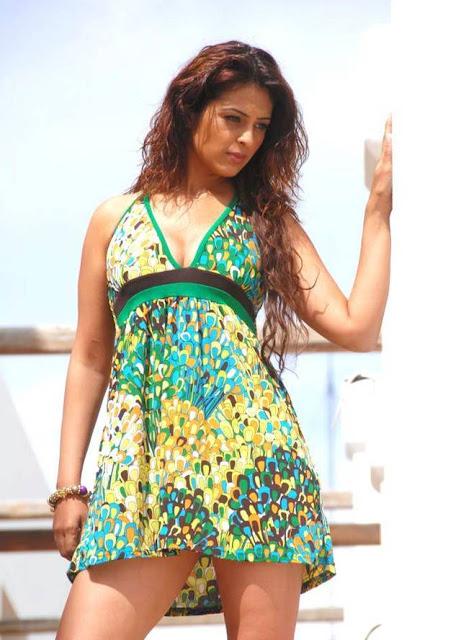 Anjana Sukhani sexy photos