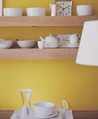 Donderdag kleuradvies oker geel met hout en grijs for Interieur geel