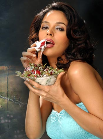 malika sherawat wallpaper. Mallika Sherawat Wallpapers