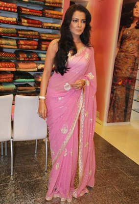 celina jaitley pink saree baby doll glamour  images