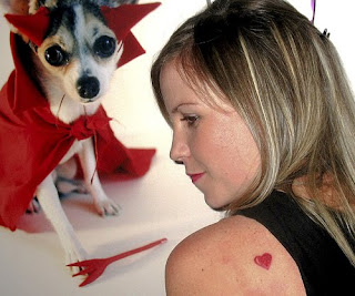 Heart Tattoos With Image Female Tattoo With Heart Tattoo Designs On The Body Picture 3