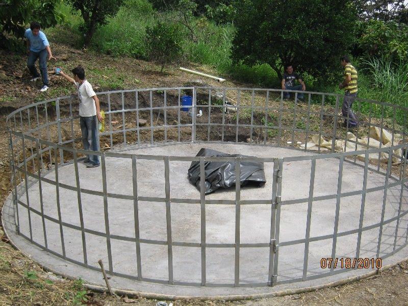 Jovenes rurales emprendedores instalaci n estanque peces for Estanque construccion