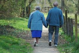 Curso para cuidador de idosos.Garanta seu futuro. Clique na imagem.