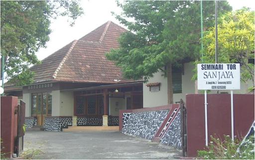 Di tempat inilah para Frater Keuskupan Agung Semarang mengembangkan ...