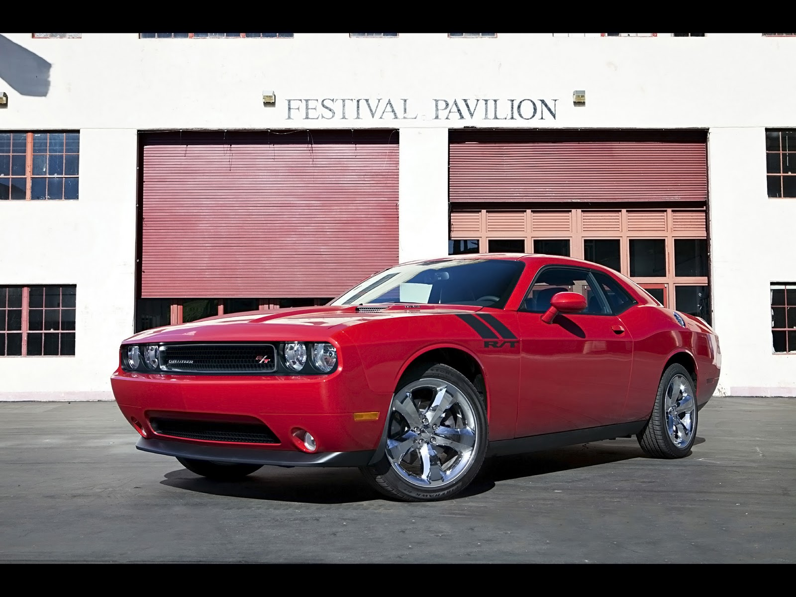 dodge challenger manual vs automatic