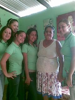 Con la señora Bertha Burgos