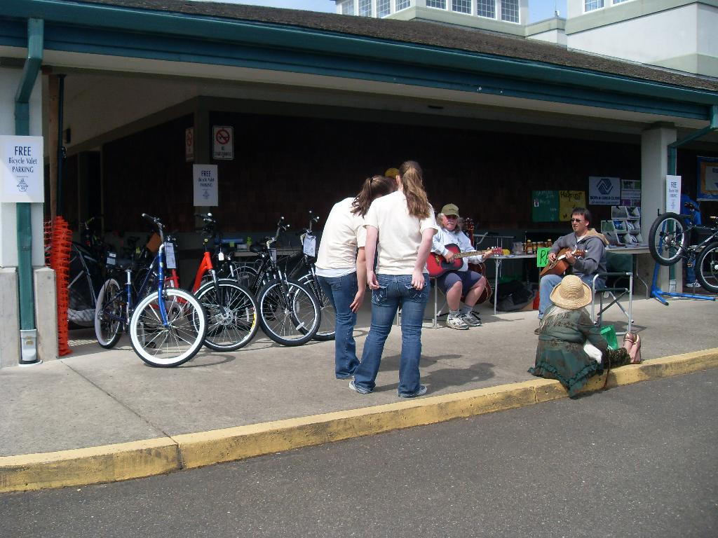 Bikes 101 Florence Oregon Bicycles with quot Valet Bike