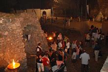 scene di vita medievale al borgo