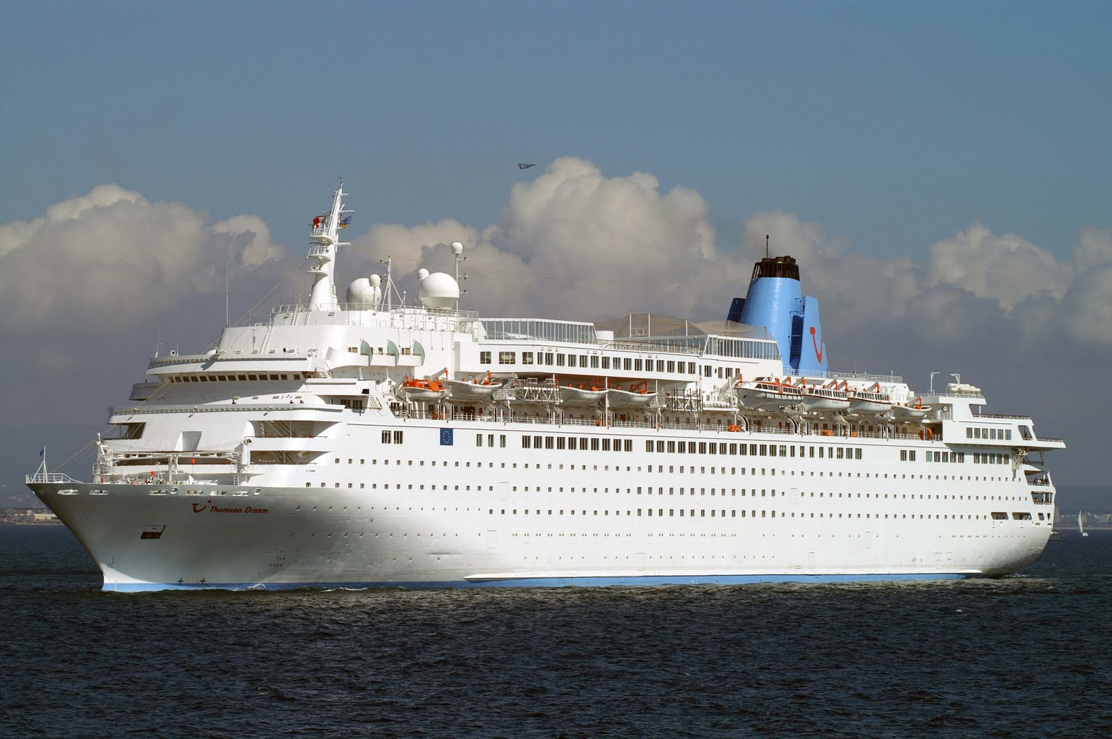 SergioCruises Costa Europa A Navegar Pela Thomson