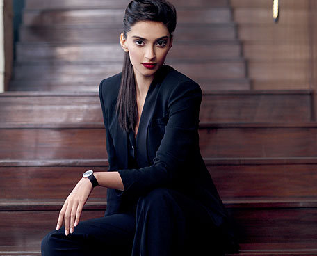 Gorgeous Sonam kapoor's new look For Cosmopolitan
