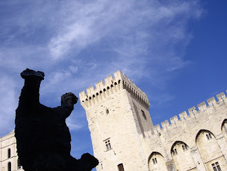 Place du palais des papes - Avignon - été 2010