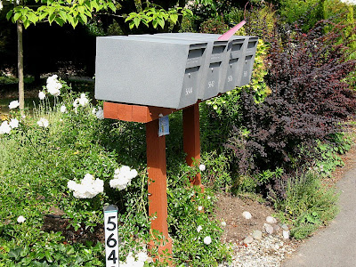 mailbox, suburbia