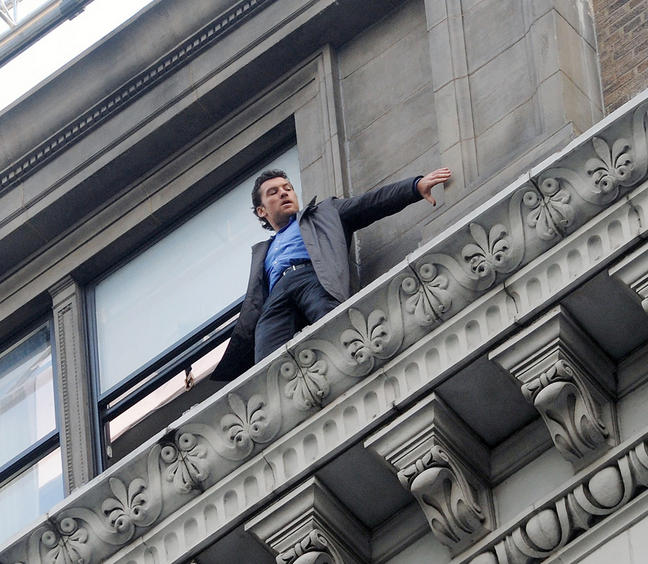 man on a ledge Man on a ledge is a action, crime, thriller film released in 2012 and directed by asger leth, melissa kalbfus with a runtime of 102 minutes the star actors of man on a ledge are afton williamson, anthony mackie, ed harris, edward burns, elizabeth banks, génesis rodríguez, jamie bell, kyra sedgwick, sam worthington, william sadler.