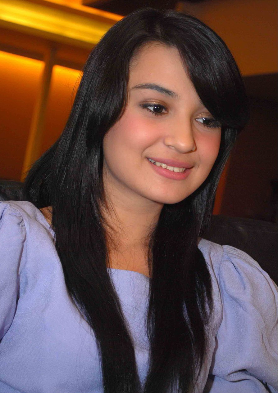 Shireen Sungkar - Actress Wallpapers