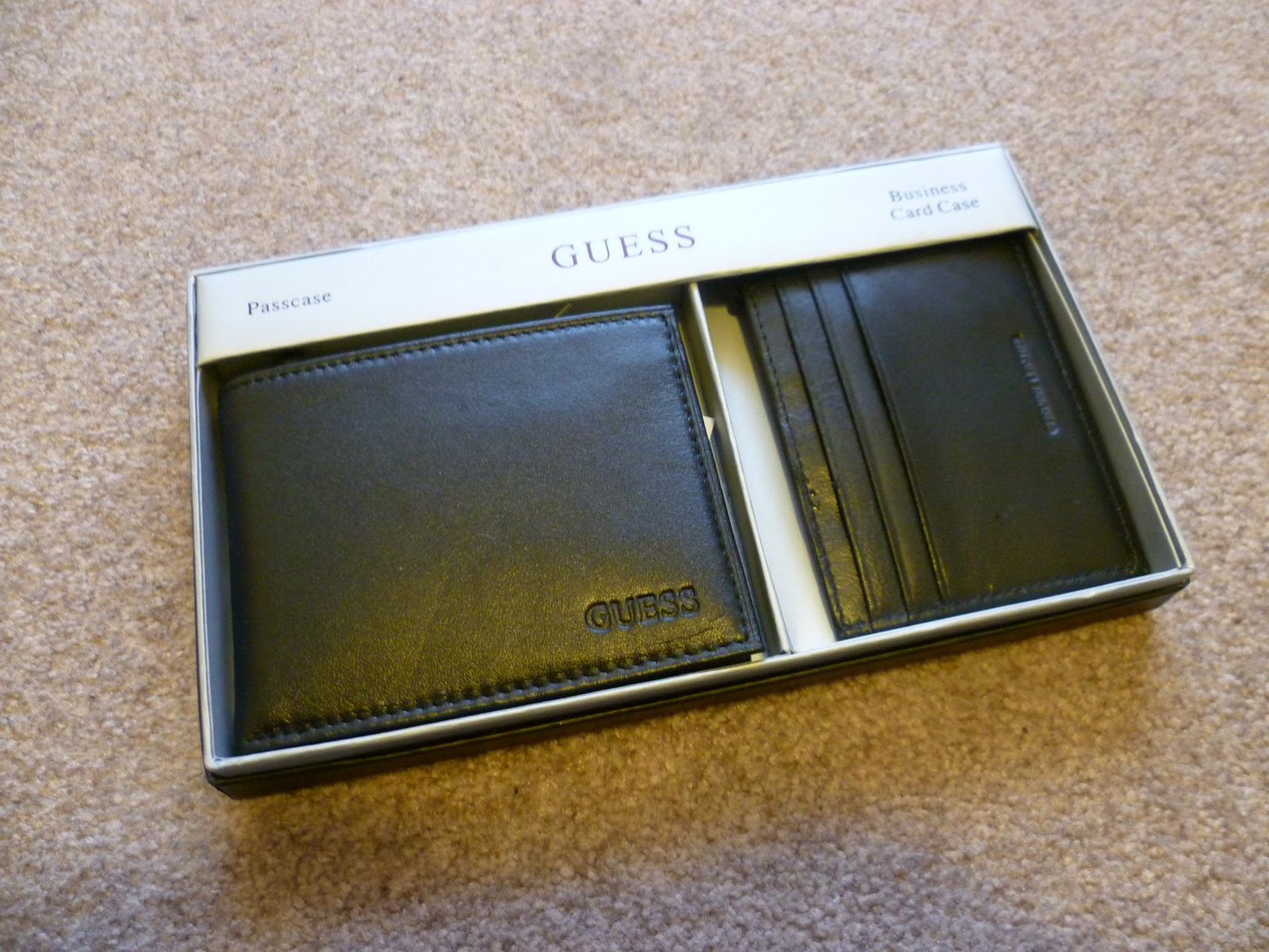 Uncle Sam\'s Boutique: Guess Men Slim Wallet and Business Card Case