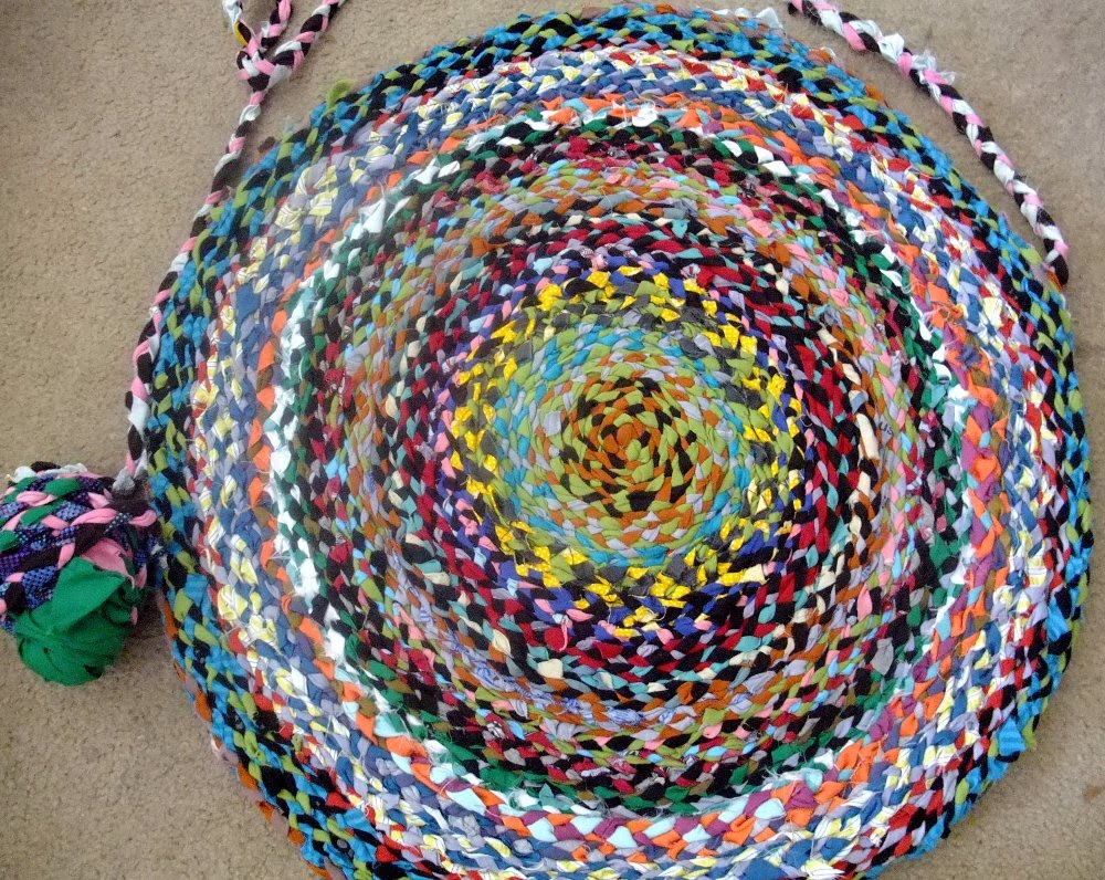 MI SCUSI HAND MADE Braided Rug From T shirt Yarn