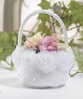 flower girl scat pearl 2 Cerimonial de Casamento Estilo Americano