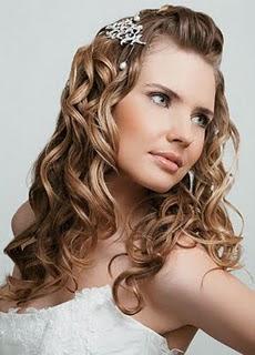 noiva cabelo penteado 01 Penteados Madrinhas e Noivas   Cabelos Cacheados ou Enrolados