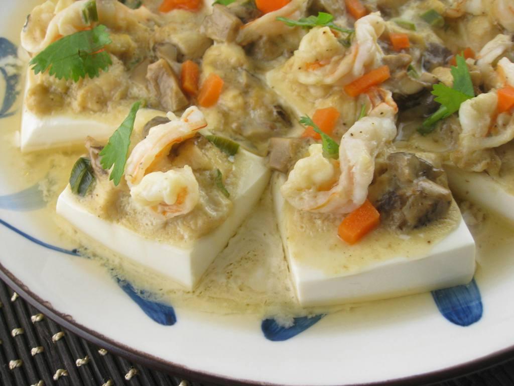My Asian Kitchen: Steamed Silken Tofu with Chicken and Shrimp in Sake