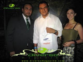 Gustavo Franco, Gte. de Mercadeo de Movilnet juto a uno de los