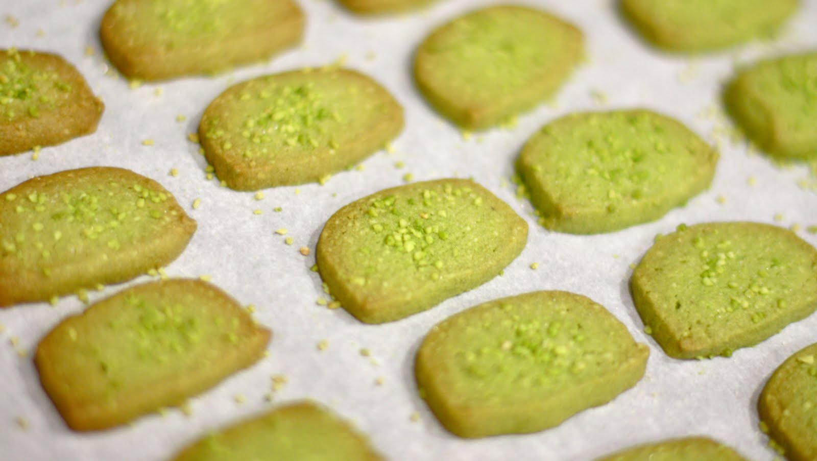 The Life Recipe of Annee the Candy Apple: Matcha Almond Cookies