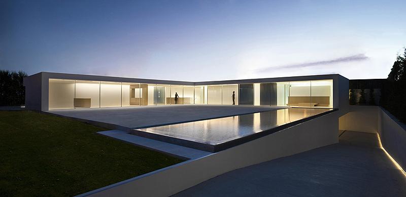 La casa del atrio de fran silvestre arquitectos for Atrio dentro casa