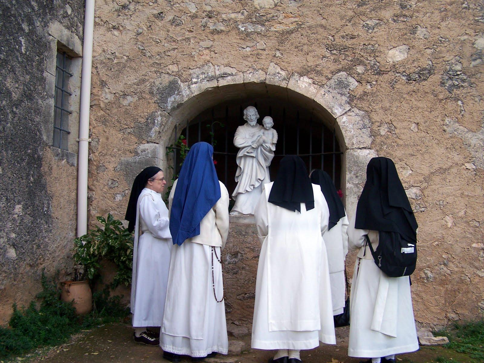 Traditional vocations blog may 2010 - Les soeurs du marquis ...