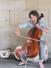 Random cellist