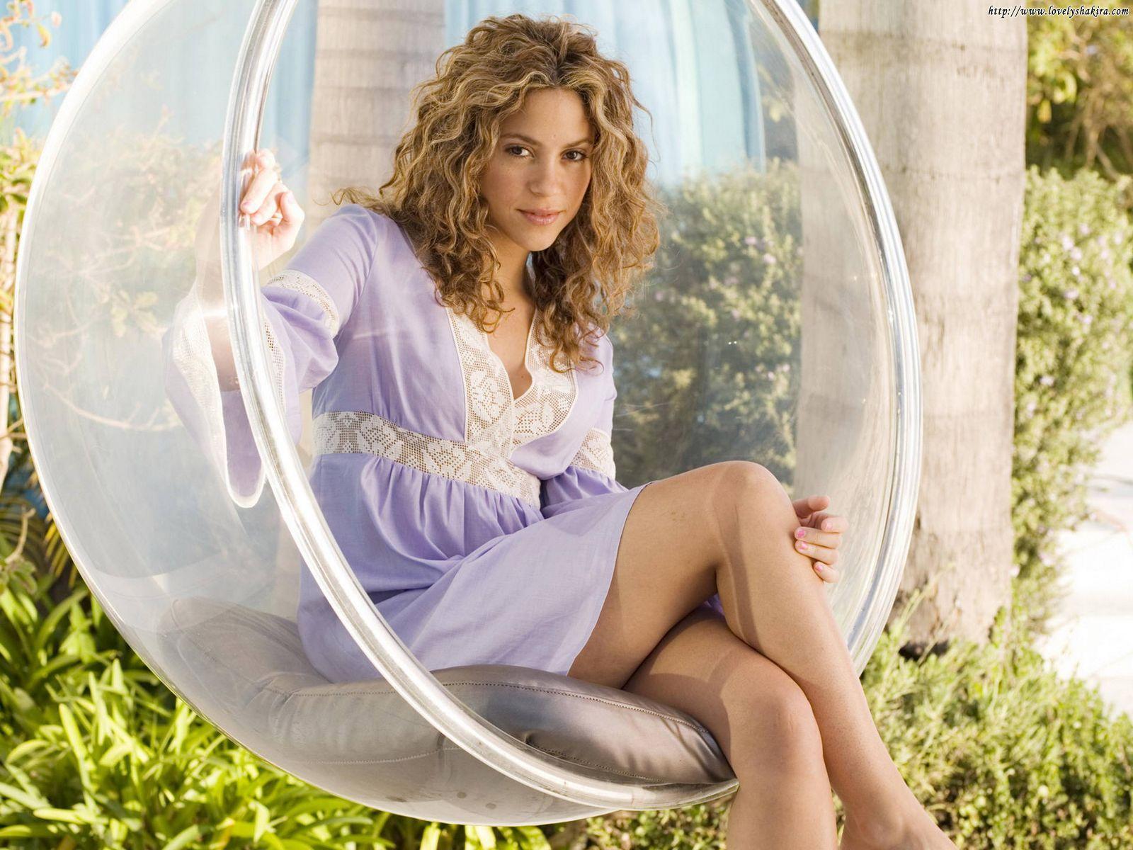 http://1.bp.blogspot.com/_vvk7ZlXr_pU/TN6gxQXSKYI/AAAAAAAAAoQ/BIExLwdg3m4/s1600/Shakira_HD_Wallpapers_YM6XOR.jpg