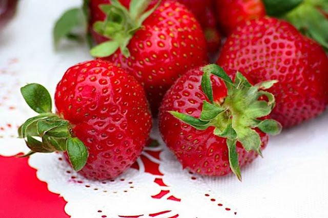 in her foodie friday post for today sheila the quintessential magpie wrote the strawberries came from plant city florida the official strawberry