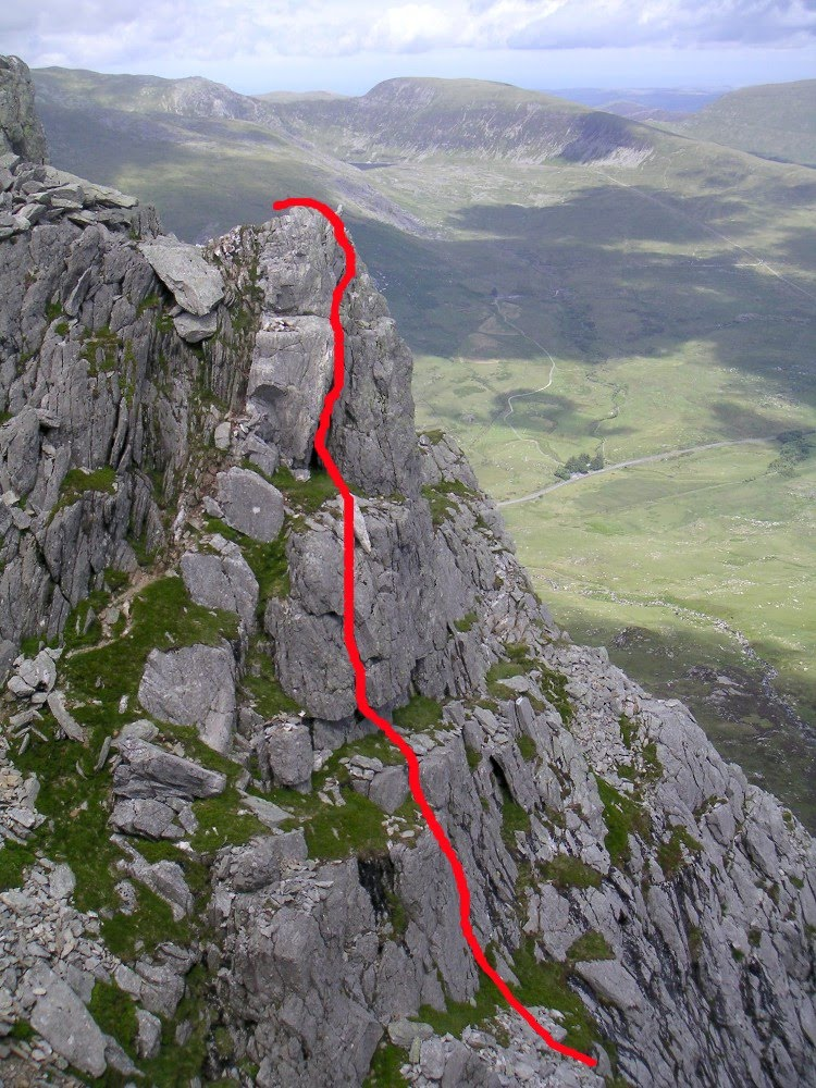 andy mountains  soloing on the east face of tryfan
