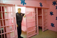 Hege and his pink jail