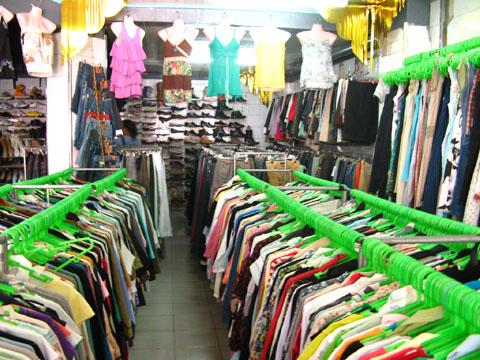 (from http://heymandz.blogspot.com/2010/11/vintage-treasure-ukay-ukay.html)