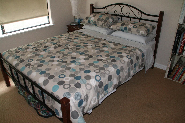 Lockleys Garage Sale Sold Queen Size Bed With Mattress