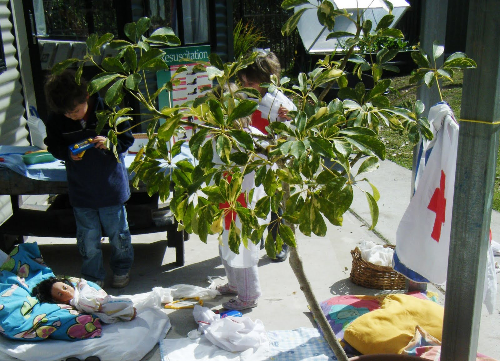 let the children play: pretend play: outdoors