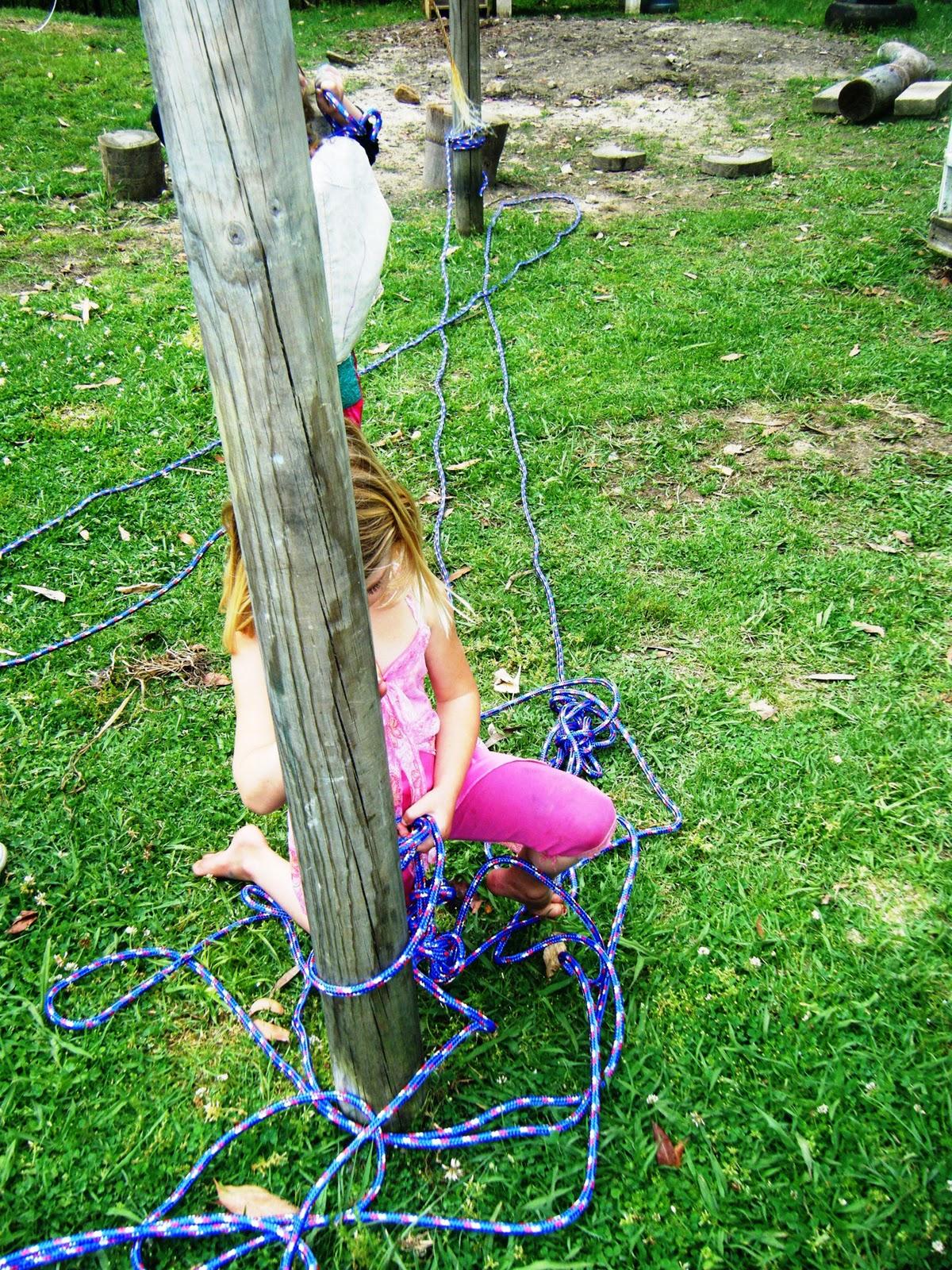 Веревочный мостик для детей своими руками 7
