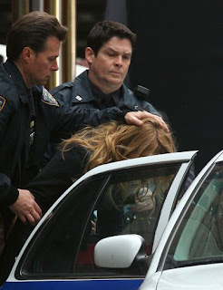 Blake Lively Arrested on Claro Est   Que S  Lo Se Trata Del Rodaje De La Siguiente Temporada De