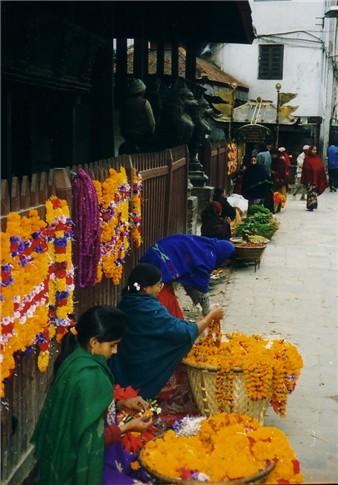 [Tamil%20-%20flower%20merchants%20sm.jpg]