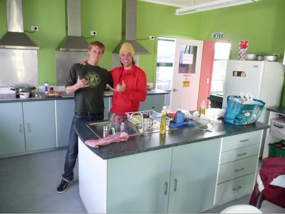 Aquí estoy yo con Benoit en la cocina