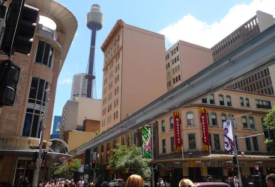 Así se ve desde abajo el Monorail de Sidney