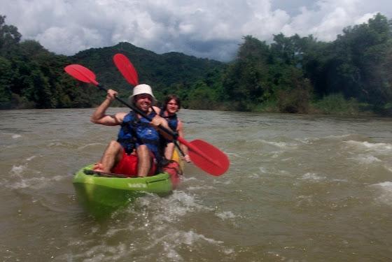 Aquí estoy yo haciendo kayak