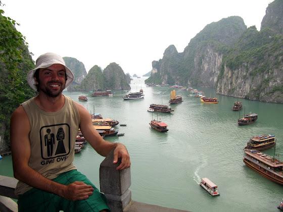Aquí estoy yo en Ha long Bay