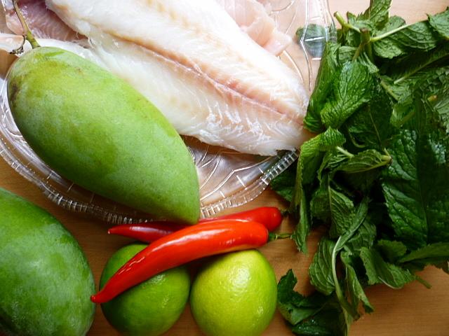 ... Fuu ยำปลาดุกฟู Crispy Fish With Green Mango Salad