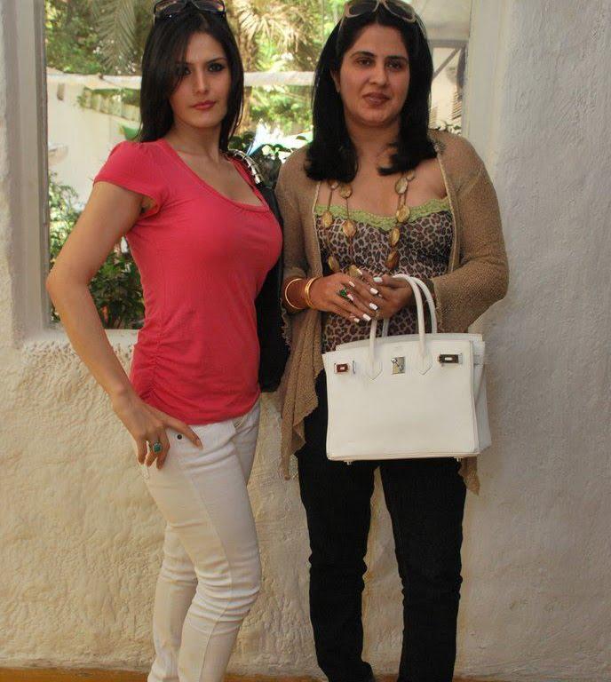 hot images of zarine khan. Zarine Khan at Neha Agarwal#39